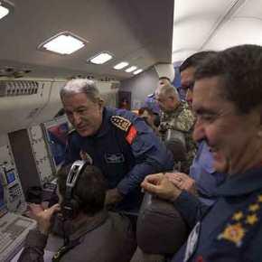Έχασαν ελικόπτερο στη Συρία οι Τούρκοι και ο Ακάρ πήγε στη Στρατιά του Αιγαίου γιαεπιθεώρηση
