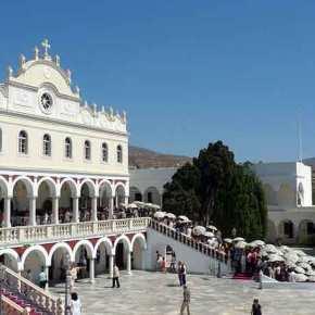 Ύπουλο σχέδιο της κυβέρνησης κατά της Εκκλησίας: Πάνε να αρπάξουν τα τάματα της Παναγίας τηςΤήνου