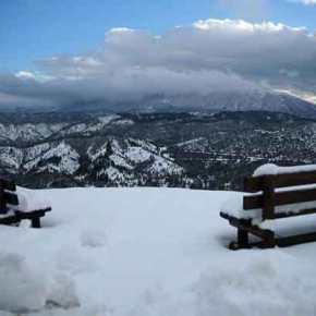 Επέλαση του χιονιά στα ορεινά – Προβλήματα και κλειστά σχολεία σε πολλές περιοχές τηςχώρας