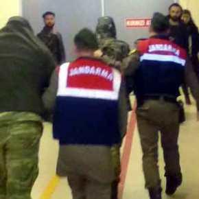 Προφυλακισμένοι παραμένουν οι δύο Έλληνεςστρατιωτικοί