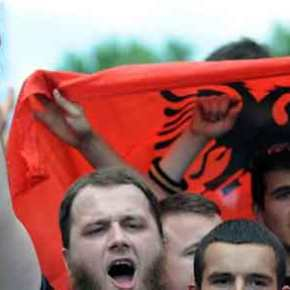 Τα Σκόπια οδεύουν προς… διχοτόμηση: Ο Γ. Ιβανόφ πραξικοπηματικά δεν αναγνώρισε την αλβανικήγλώσσα
