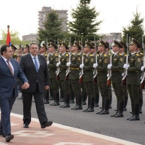 Η Αρμενία τραγουδά στην Τουρκία: «Η Ελλάδα ποτέ δεν πεθαίνει, δεν τη σκιάζει φοβέρα καμιά…» –Βίντεο