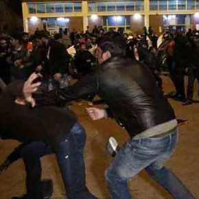 Έτοιμη να εκραγεί η χώρα: Ντου μεταναστών στην Πάτρα – Άγριο ξύλο στην Αθήνα – Βουλιάζουν τα νησιάμας