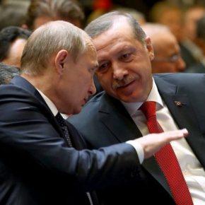 «Μπαϊράκι» Ερντογάν σε Πούτιν: «Δεν απελευθερώνω τους Ελληνεςστρατιωτικούς»