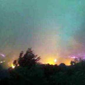 Ανεξέλεγκτη η φωτιά στην Ηλεία -Ολονύχτια μάχη να μην φτάσει σε σπίτια[εικόνες]