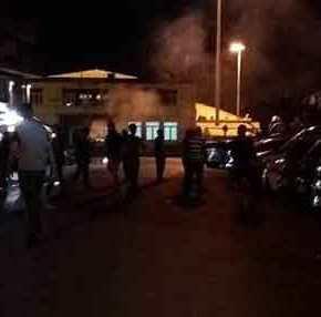 Εφοδος από 3.000 κατοίκους της Λέσβου στον Α.Τσίπρα! – Σοβαράεπεισόδια