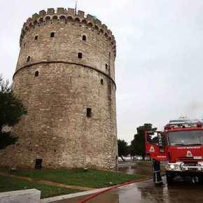 Σφοδρή κακοκαιρία πλήττει τη Θεσσαλονίκη – Τέσσερα άτομα μεταφέρθηκαν σε ασφαλέςσημείο