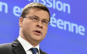 Ντομπρόβσκις: Θα μπορούσαν να επιστραφούν τα κέρδη της ΕΚΤ και των εθνικών τραπεζών από τα ελληνικάομόλογα
