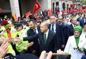 Σόου Ερντογάν και στο Λονδίνο – Έστησαν αποθεωτική υποδοχή με ουρλιαχτά και selfies – «Ξέχασαν» τοtamam