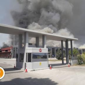 Υπό έλεγχο η μεγάλη φωτιά στο εργοστάσιο της Ξάνθης [pics,vids]