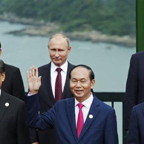 Ποιος εκθρόνισε τον Πούτιν από τη θέση του ισχυρότερου ανθρώπου στονκόσμο