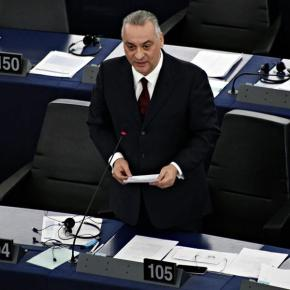 Ο Μ. Κεφαλογιάννης θα επισκεφθεί τους 2 Έλληνεςστρατιωτικούς