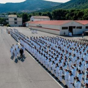 Κουβέλης προς ναύτες της Β' ΕΣΣΟ: Υπηρετείτε το ΠΝ, ένα όπλο που ποτέ δεν υπέστειλε σημαία-Φωτογραφίες.