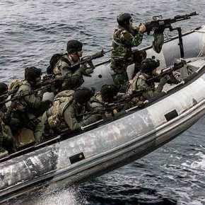 Κίνηση «ματ» από το ΓΕΕΘΑ: Αρματαγωγό με πάνοπλους πεζοναύτες θα πλέει συνεχώς στο Αιγαίο – Έτοιμοι να γαζώσουν τους Τούρκουςκομάντος