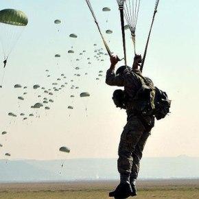 Ο Αττίλας «προθερμαίνεται» : Τουρκικά αεροσκάφη «αδειάζουν» αλεξιπτωτιστές σε πρόβα τζενεράλε κατά Κύπρου και ελληνικώννησιών