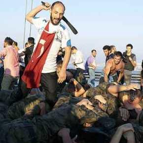 Eμφυλιοπολεμικό κλίμα στη Τουρκία: Νέα κατρακύλα στη τουρκικήοικονομία