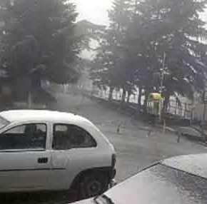 Πρωτοφανές: Χιονίζει καλοκαιριάτικα στην Ελασσόνα! – Όπως το 1816 που δεν είχεκαλοκαίρι
