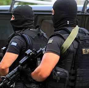 Συναγερμός στην Αντιτρομοκρατική! Βρέθηκε οπλοστάσιο σε διαμέρισμα Αλβανού που συνδέεται με το σχέδιο«Γοργοπόταμος»