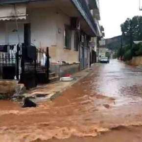 Ο εφιάλτης ζωντάνεψε στη Μάνδρα! «Πνίγονται» αβοήθητοι οι κάτοικοι(photo+video)