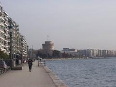 Συμφωνία Τσίπρα-Ζάεφ: Δίνουν το λιμάνι της Θεσσαλονίκης στη «Βόρεια Μακεδονία» για να αποκτήσει «εμπορικόστόλο»!
