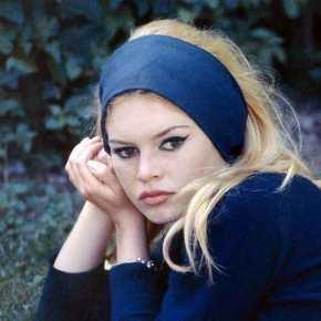 13 ελληνικά τραγούδια που έγιναν επιτυχίες στοεξωτερικό
