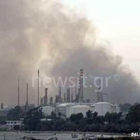 EKTAKTO-Πύρινος όλεθρος: Μέτωπο φωτιάς στα διυλιστήρια Κορίνθου και στην Πεντέλη- Μη ελέγξιμη η πυρκαγιά – Καίγονται σπίτια, χτυπούν οικαμπάνες