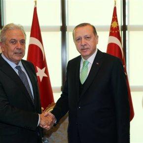 Στην τελετή ορκωμοσίας του Ερντογάν ο Αβραμόπουλος τη Δευτέρα.Ως εκπρόσωπος της ΕΕ και τουΓιούνκερ