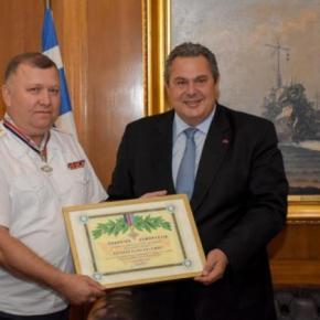 Ο ΥΕΘΑ τίμησε τον ΑΚΑΜ της Ρωσίας στηνΕλλάδα