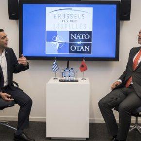 Τι απαντά η Κομισιόν για τις δηλώσεις Χαν για τα σύνορα με τηνΑλβανία