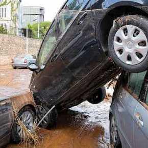 Στο έλεος της βροχής: Εικόνες καταστροφής στο Μαρούσι(video)