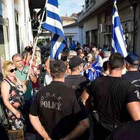 Με αποδοκιμασίες και συνθήματα υποδέχθηκαν τον Τάσο Πετρόπουλο στο Αργος(φωτογραφίες)