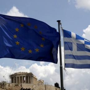 Guardian για Ελλάδα: Κανείς δεν πιστεύει ότι μπορεί να αποπληρώσει επιτυχώς το χρέος της.«Μπορεί να χρειαστεί μια δεκαετία, τουλάχιστον, για να ανακτήσει το χαμένοεισόδημα»