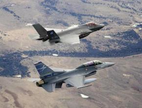 F-16 Viper VS F-35: Σε αναμμένα κάρβουνα η Τουρκία για την αναβάθμιση των ελληνικών μαχητικών –ΦΩΤΟ
