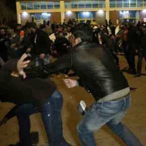 Επικίνδυνη εξέλιξη: Όχλος μουσουλμάνων επιτέθηκε σε χριστιανούς μέσα στο hot spot στοΚουτσόχερο