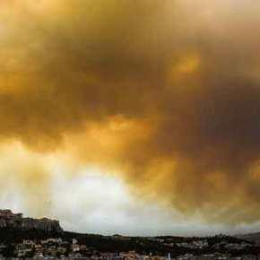 ΕΚΤΑΚΤΟ- Τρομαχτικές εικόνες: Καίγονται σπίτια στην Κινέτα – Μέχρι την Εθνική έφτασε η φωτιά – Οι καπνοί σκέπασαν και την Ακρόπολη – Ζωντανήσύνδεση