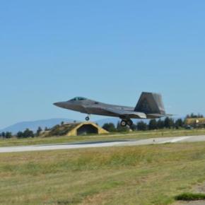 Λάρισα: Έφτασαν τα αεροσκάφη F-22 Raptor της USAF στην 110ΠΜ –ΦΩΤΟ
