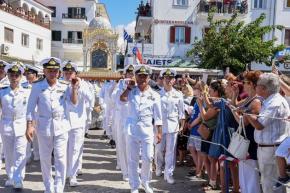 ΓΕΝ: Το Πολεμικό Ναυτικό τίμησε την Μεγαλόχαρη και το καταδρομικό ΕΛΛΗ –ΦΩΤΟ