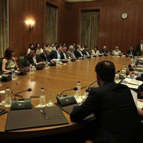 ΣΥΡΙΖΑ: Βγήκαν τα μαχαίρια – Αμφισβητούνται οι επιλογέςΤσίπρα