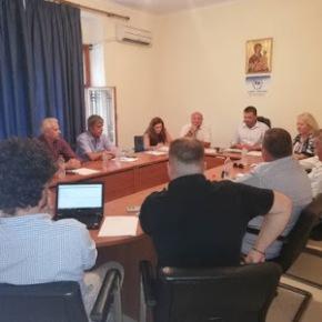Ελληνική Μειονότητα Αλβανίας: Πρώτη συνεδρίαση 'ΟΜΟΝΟΙΑΣ' με τη παρουσία της Ελληνίδαςπρέσβειρας