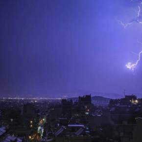 Καιρός: Η κακοκαιρία «Ξενοφών» σκεπάζει την Ελλάδα – Καταιγίδες, μποφόρ και κρύο σε όλη τηχώρα