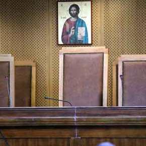 Ισοπεδώνουν τα πάντα οι ΣΥΡΙΖΑΝΕΛ: Άνοιξε η πόρτα των Στρατοδικείων για τουςαλλοδαπούς