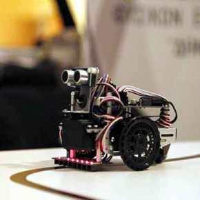 Αυτός είναι ο Τρικαλινός καθηγητής που «τρέλανε» τον Guardian με το πρόγραμμα εκπαιδευτικής ρομποτικής σεμαθητές