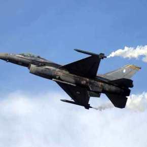 Ανέβηκαν τα G στον αθηναϊκό ουρανό – «Κόβουν την ανάσα» οι άσσοι της Πολεμικής Αεροπορίας (εικόνες,βίντεο)