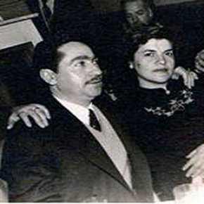 Είδε τη γυναίκα του να αποβάλει την νύχτα των Σεπτεμβριανών, καθώς οι Τούρκοι κατέστρεφαν τις ελληνικές επιχειρήσεις, σκότωναν καιβίαζαν.