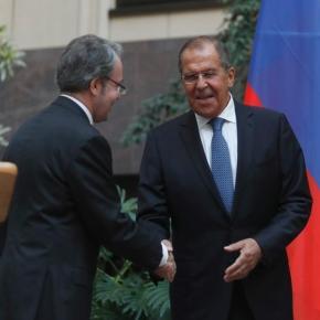 Λαβρόφ: Οι σχέσεις με την Ελλάδα δεν υπόκεινται στην εξουσία εξωτερικώνδυνάμεων