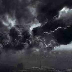 Ραγδαία αλλαγή του καιρού: Θυελλώδεις άνεμοι και βροχοπτώσεις θα σαρώσουν τη χώρα – Μέχρι και 9 μποφόρ στοΑιγαίο