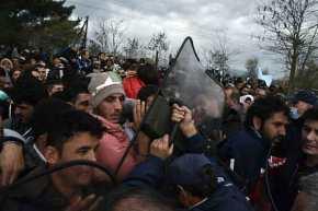 Ξεσηκώνονται οι Έλληνες στη Χίο: «Δεν πάει άλλο η κατάσταση με τους μετανάστες στο νησίμας»