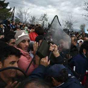 Μισό εκατ. Αφγανοί και Πακιστανοί συγκεντρώνονται στην Αδριανούπολη για να περάσουν τονΈβρο
