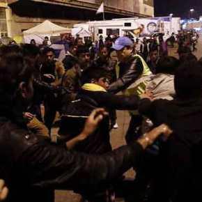 Έτοιμη να εκραγεί η χώρα με τους μετανάστες: Bγήκαν μαχαίρια στην Θεσ/νίκη – Κάνουν μπλόκα στις Εθνικές Οδούς – Βουλιάζουν τα νησιάμας