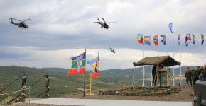 Τα Apache στονΠΑΡΜΕΝΙΩΝΑ